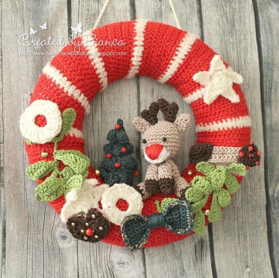 Corona de Navidad de Ganchillo - Crochet Christmas Wreath - YouTube | 562x564